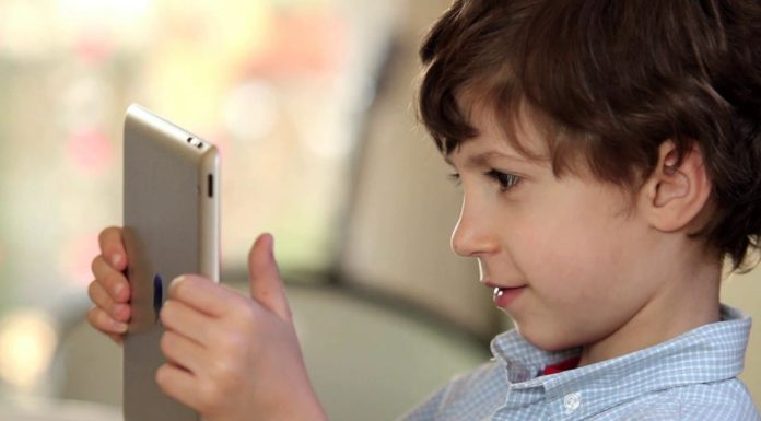When Is The Right Time To Give Your Child A Cell Phone?