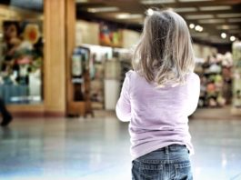 7 Ways to Keep Your Child Safe in Crowded Places