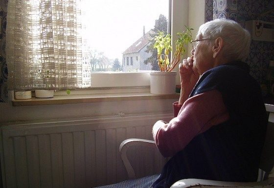 9 Safety Tips for Seniors Who Live Alone